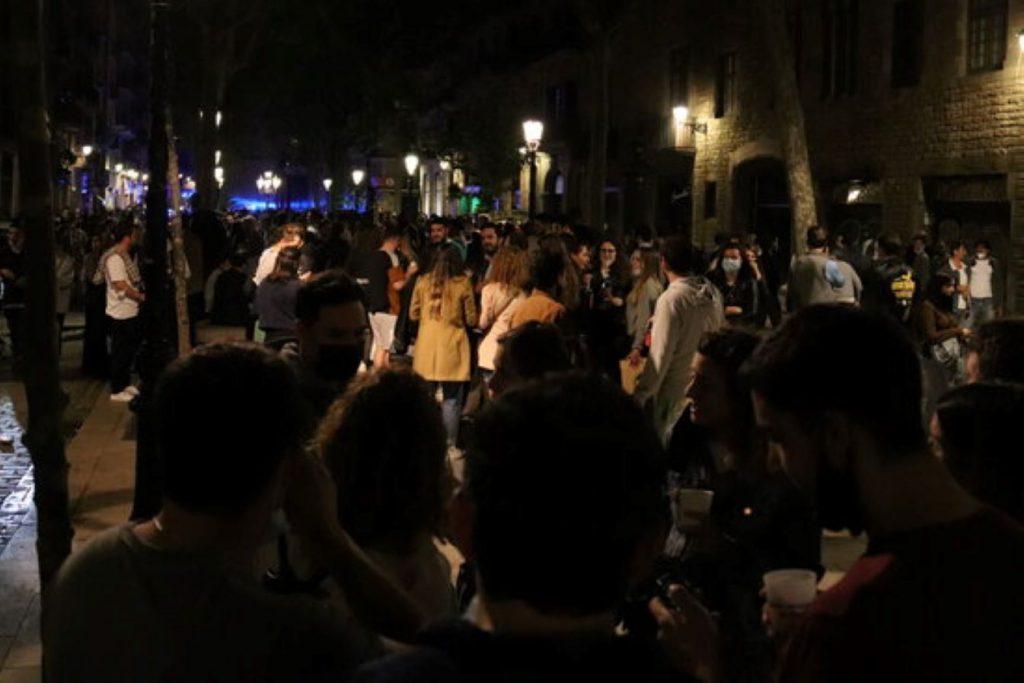 Festival de botellots repartits per tota Catalunya