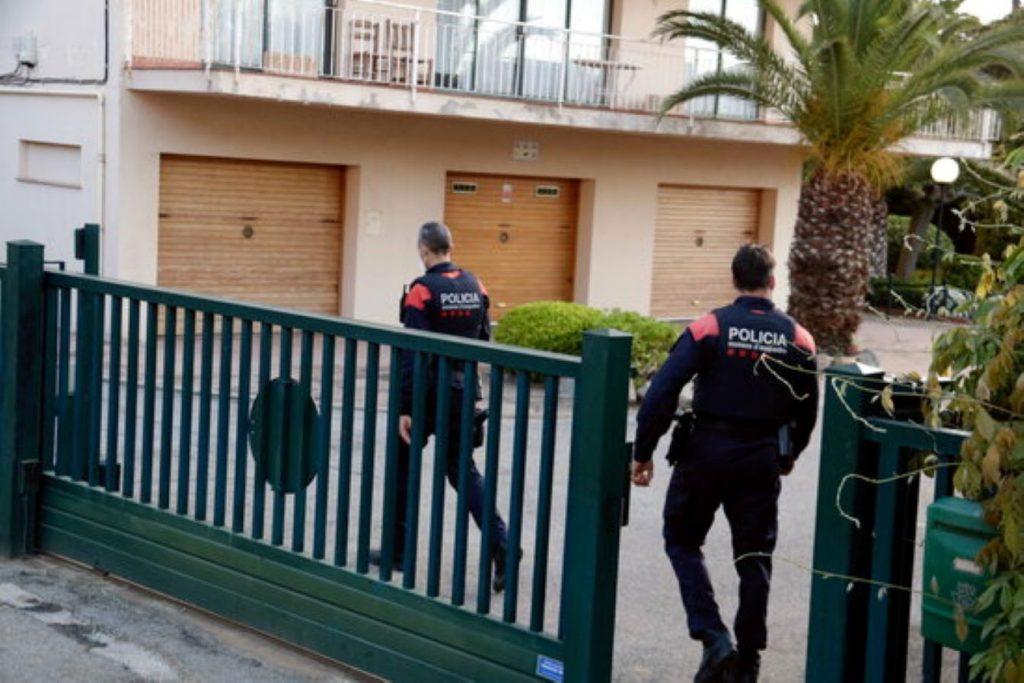 Macrooperació per detenir 900 persones d'una màfia amb base a Girona que falsifica carnets de conduir