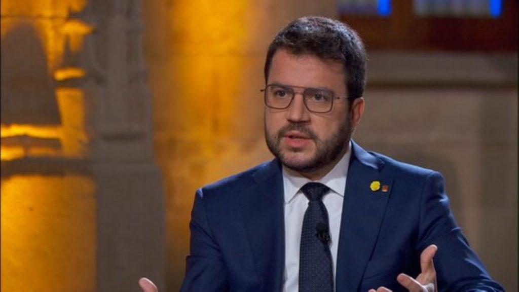 El govern processista s'agellona davant Sánchez i el president espanyol reacciona amb un nou menyspreu