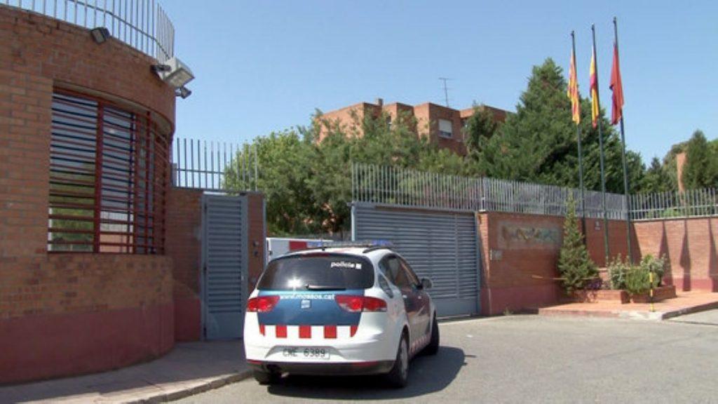 Un conductor amb el permís suspès fins 2029 la fa grossa a Castelló d'Empúries