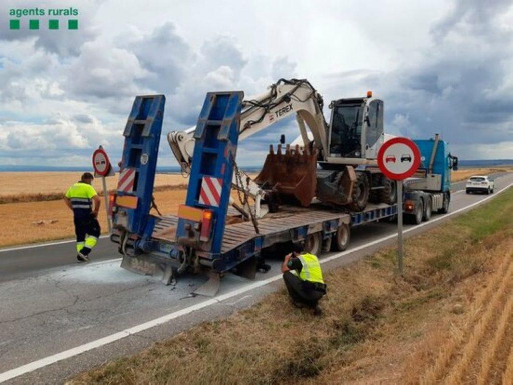 Un camió amb la roda punxada provoca 26 incendis a la Noguera