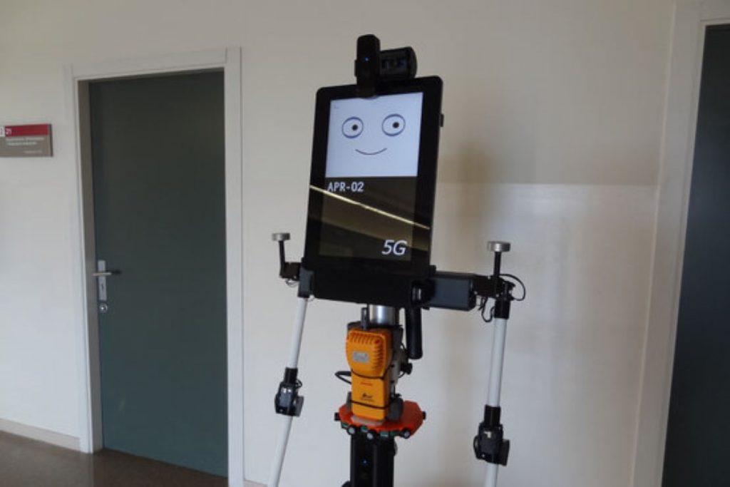 Dissenyen un robot que mesura el diòxid de carboni per determinar el risc de propagació de la covid en un espai tancat