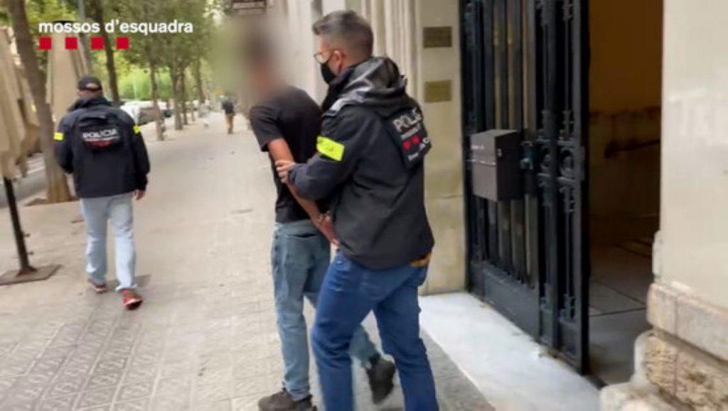 Agressió gratuïta d'una banda hispanomarroquí contra joves a Barcelona