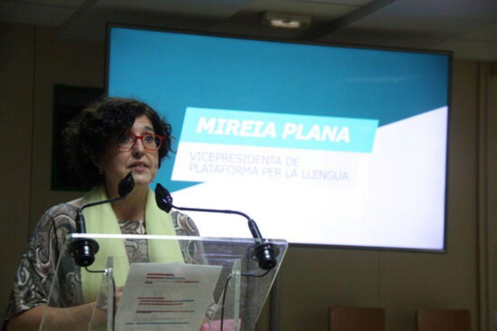 Cop d'efecte de la Plataforma per la Llengua amb una nova campanya