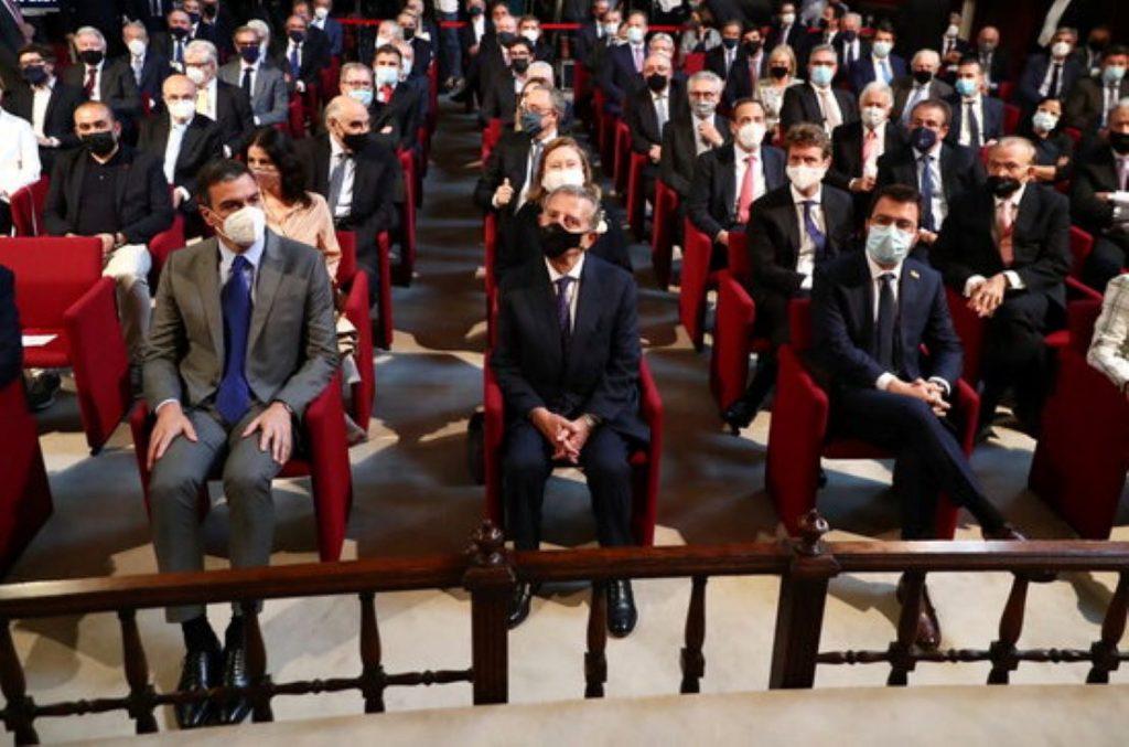 La Vanguardia intenta tapar l'èxit internacional de Puigdemont amb una enquesta a favor d'ERC