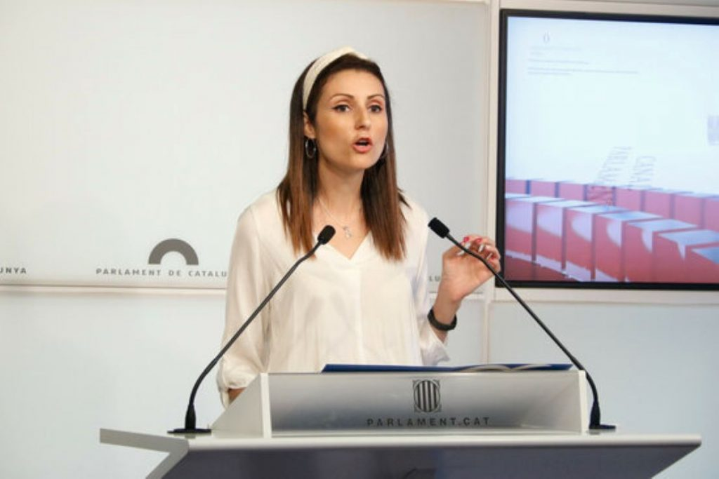 Lorena Roldán hiperventila contra la Plataforma per la Llengua