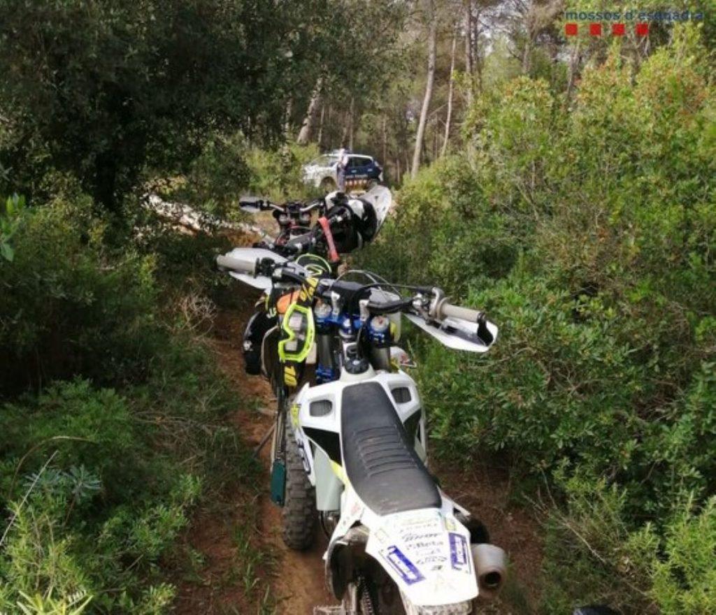 Tres motoristes la fran grossa a la serra d'Ordal